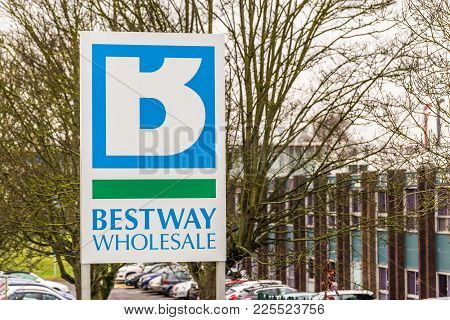 Northampton Uk January 11 2018: Bestway Wholesale Cash And Carry Logo Sign Post.