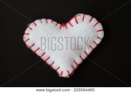 A White Heart On A Black Bacground