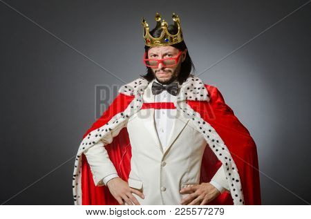 The king businessman in royal business concept
