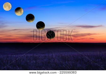 The Total Lunar Eclipse & Super Blue Blood Moon Happened All In The Same Night Over The Grasslands O