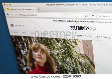 London, Uk - August 10th 2017: The Homepage Of The Official Website For Selfridges, The High-end Dep