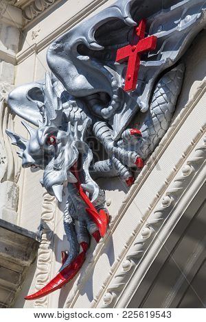 London, Uk - August 11th 2017: A Dragon - The Symbol Of The City Of London, On The Exterior Of The S