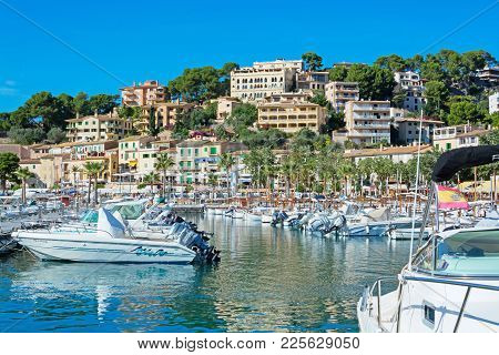 Port De Soller, Mallorca, Spain On October 25, 2013: View In Puerto Soller And Its Small Boat Harbor