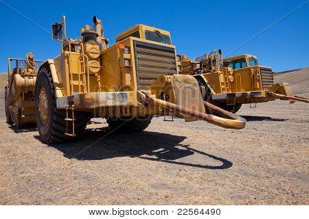 Open Bowl Scraper Tractors