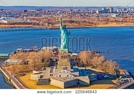 New York, Usa - January 14, 2018: Aerial View Of Statue Of Liberty On The Beautiful Winter Day.