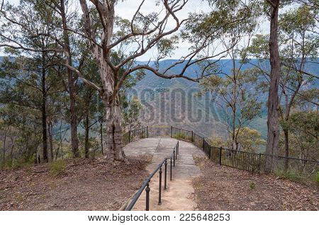 Path To Nature Lookout, Observation Deck In Blue Mountains, Australia