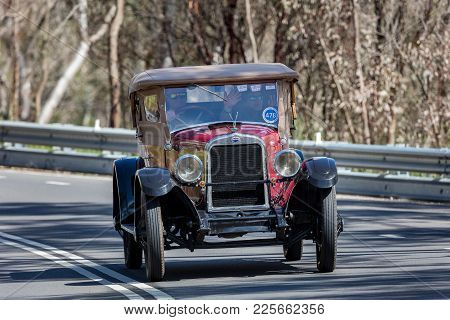 Adelaide, Australia - September 25, 2016: Vintage 1925 Oakland Roadster Driving On Country Roads Nea