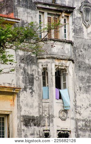Dilapidated Spanish Style Building Centre Of Havana