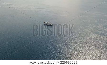 Aerial View Passenger Ferryboat In The Blue Sea, Gilimanuk, Bali, Indonesia. Ferry In The Ocean. Por
