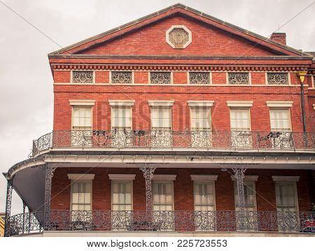 Red Brick  Building In French Quarter, In New Orleans