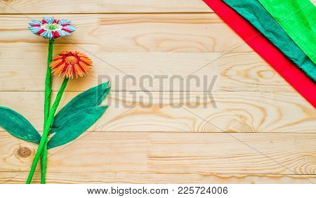 Module Origami Flowers With Paper And Modeles On Wooden Background