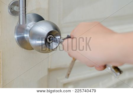 Unlocked Knob Hand Use The Key For Unlocking Door Knob Door Wooden Door White Stainless Door Knob Or
