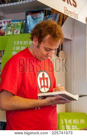 Albert Espinosa Signs His Book At The Madrid Book Fair In June 2011