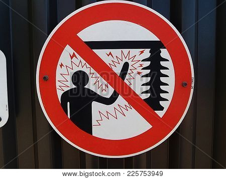 Do Not Touch Or Electrocution Will Result Sign
