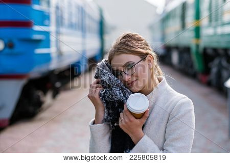 Traveling Tips. Tourism Vacation Journey. Cosy Comfortable Clothes. Useful Accessories Scarf. Woman