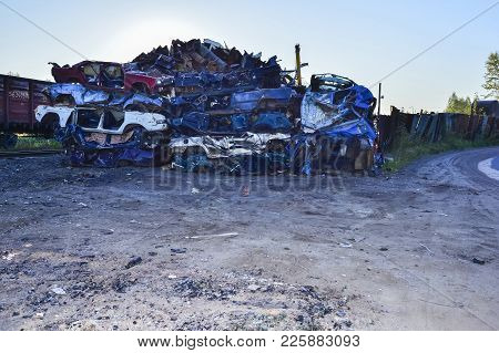 The Recycling Of Scrap Metal, Stacked Rows Presovanny Machines.