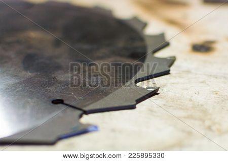 Cutting Edge. Circular Saw Blade Disc For Wood Cutting.