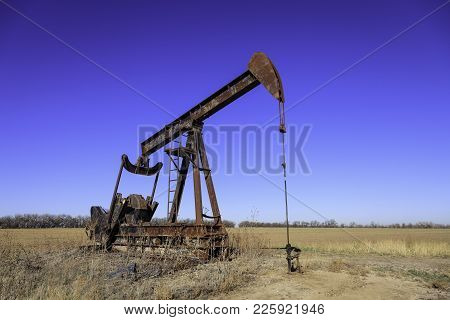 Kansas Oil Field Pump Jack Producing Crude Oil