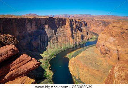 Meanders Through The Canyon Of Horseshoe Bend