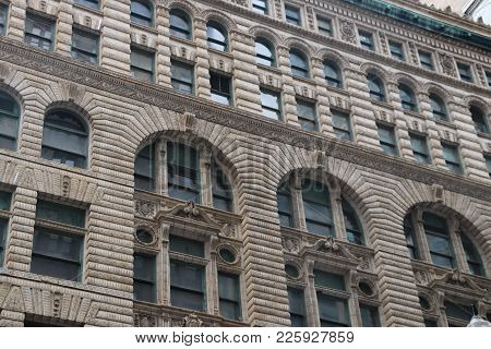 An Exterior Of A Building In Downtown Chicago, Il