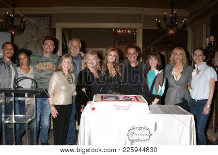 LOS ANGELES - FEB 2:  Tracey Bregman and Castmates at the Tracey Bregman 35th Anniversary on the Young and the Restless at CBS TV City on February 2, 2018 in Los Angeles, CA
