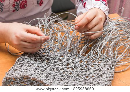 The Girl From Threads Makes A Souvenir, Handwork, Skill