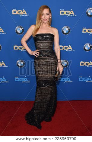 LOS ANGELES - FEB 03:  Leslie Mann arrives for the 2018 Director Guild Awards on February 3, 2018 in Beverly Hills, CA