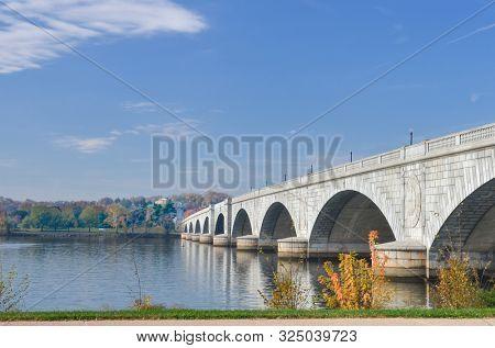 Washington DC in autumn - Memorial Bridge