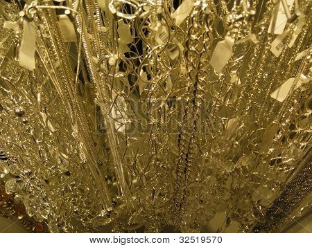 Dynamic Golden String Deco