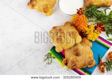 Traditional Mexican Bread Of The Dead Pan De Muerto. Dia De Los Muertos Backgound With Traditional M