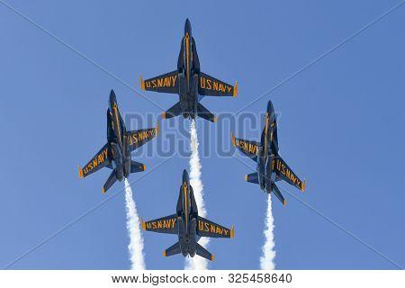U.s. Navy Blue Angels During The Miramar Air Show