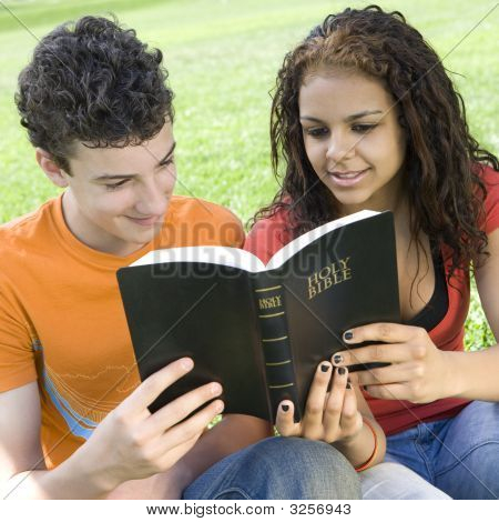 Two Teens Share Bible