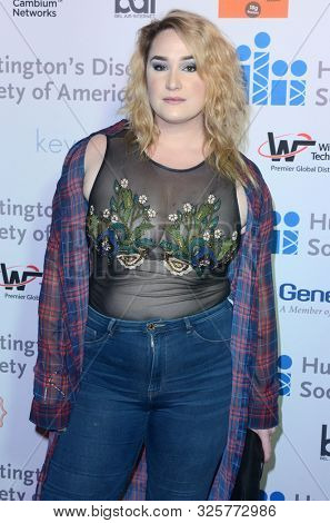 LOS ANGELES - SEP 28:  Emma Hunton at the 5th Annual FreezeHD Gala at the Avalon Hollywood on September 28, 2019 in Los Angeles, CA