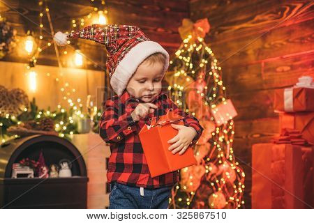 Family Holiday. Merry And Bright Christmas. Lovely Baby Enjoy Christmas. Santa Boy Little Child Cele