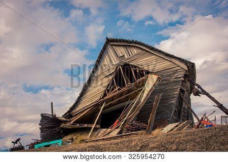 Old Wooden Abandon Barn On The Palouse In Rural Washington