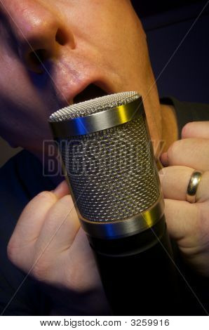 Vocalist & Microphone