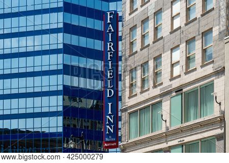 Fairfield Inn And Suites By Marriot Exterior And Trademark Logo