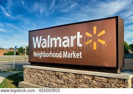 Walmart Neighborhood Market Retail Store Exterior Sign