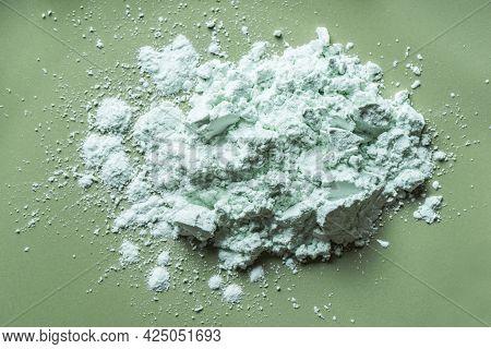 Alginate Mask Powder Or Green Clay Bentonite Powder, Dry Body Wrap Sample Texture On Green Backgroun