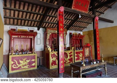 Hoi An, Vietnam, May 23, 2021: Left Side View Of The Main Hall Of The Van Thanh Mieu Cam Pho Temple