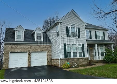 Suburban Single Family House In New Jersey.