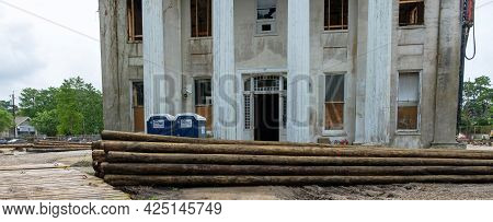 New Orleans, La - June 22: Historic Carrollton Courthouse And Pilings During Construction Project On