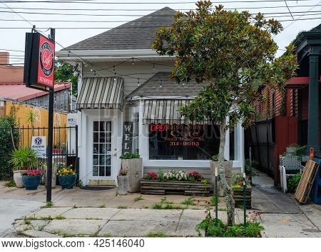 New Orleans, La - June 22: Maple Street Cafe In Uptown Neighborhood On June 22, 2021 In New Orleans,