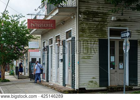 New Orleans, La - June 22: Maple Street Patisserie, Mail Carrier And Adjacent Businesses On June 22,