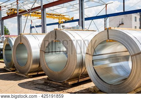 Stainless Steel Rolls. Rolls Of Steel Sheet In The Warehouse. A Roll Of Galvanized Steel Sheet For T