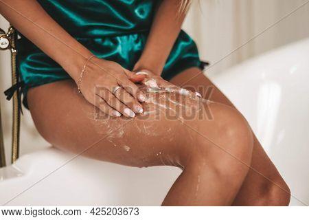 Body Scrub Spa Treatments Body Care Scrubbing Body