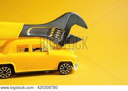 Auto Repair And Repair Of Equipment And Cars, Urgent Departure Of The Master To Eliminate Breakage,