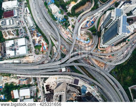 The Most Confusion Road And Junction In The World And Malaysia.