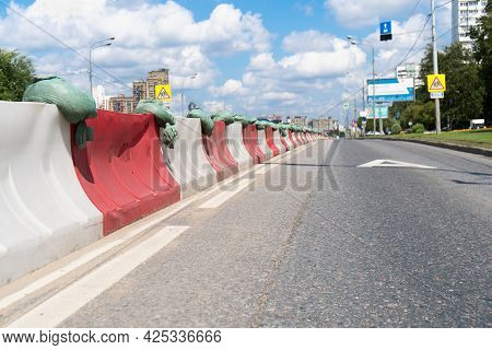 Plastic Barriers On Vernadsky Avenue In Moscow For A Dedicated Lane For Public Transport During The