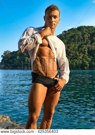 Handsome, Hot Young Bodybuilder In The Sea